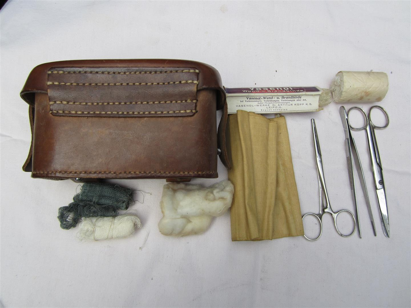 WW2 WH Sanitas Pouch with Contents