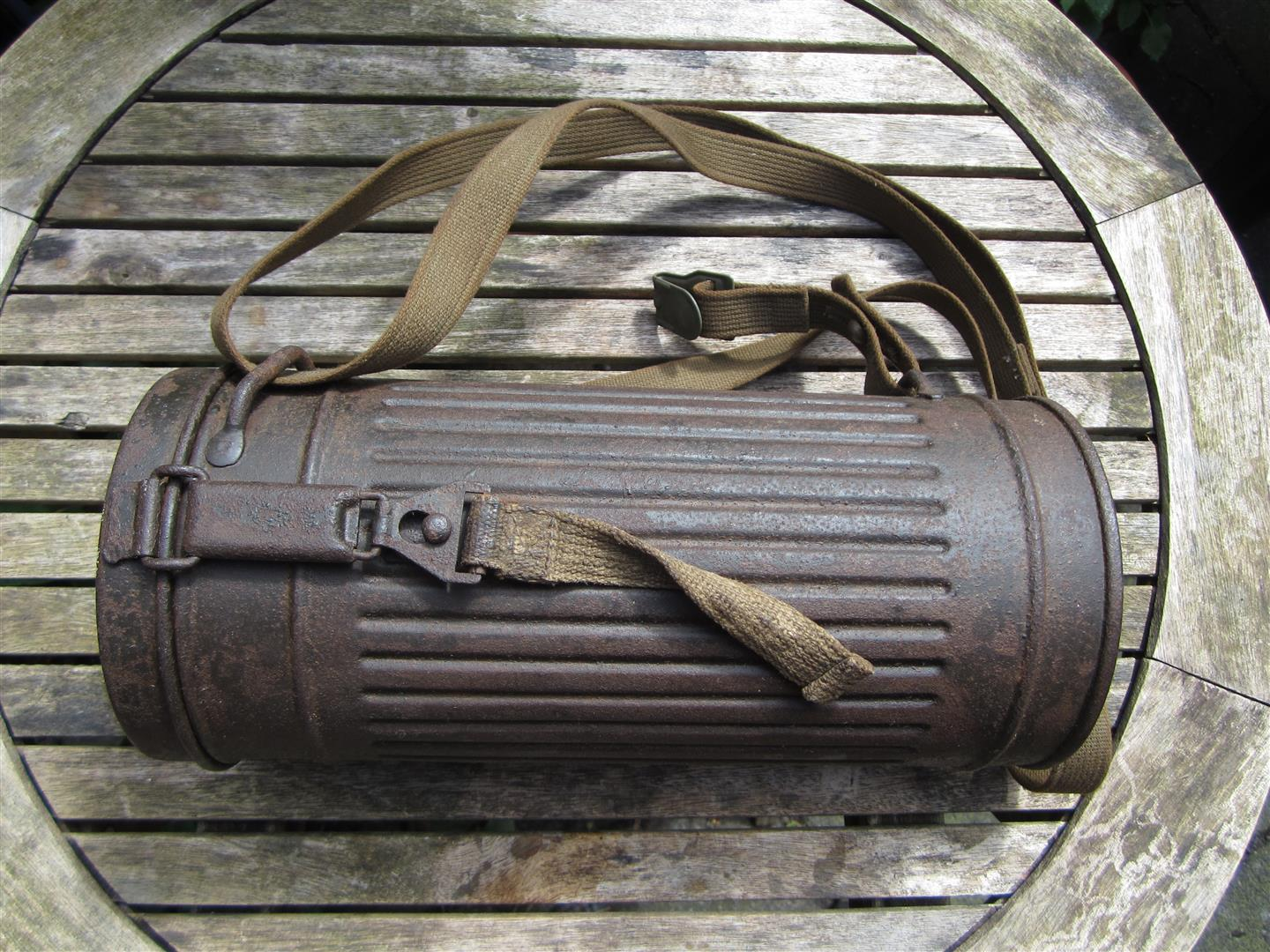 WW2 German Gasmask, Tin & Straps