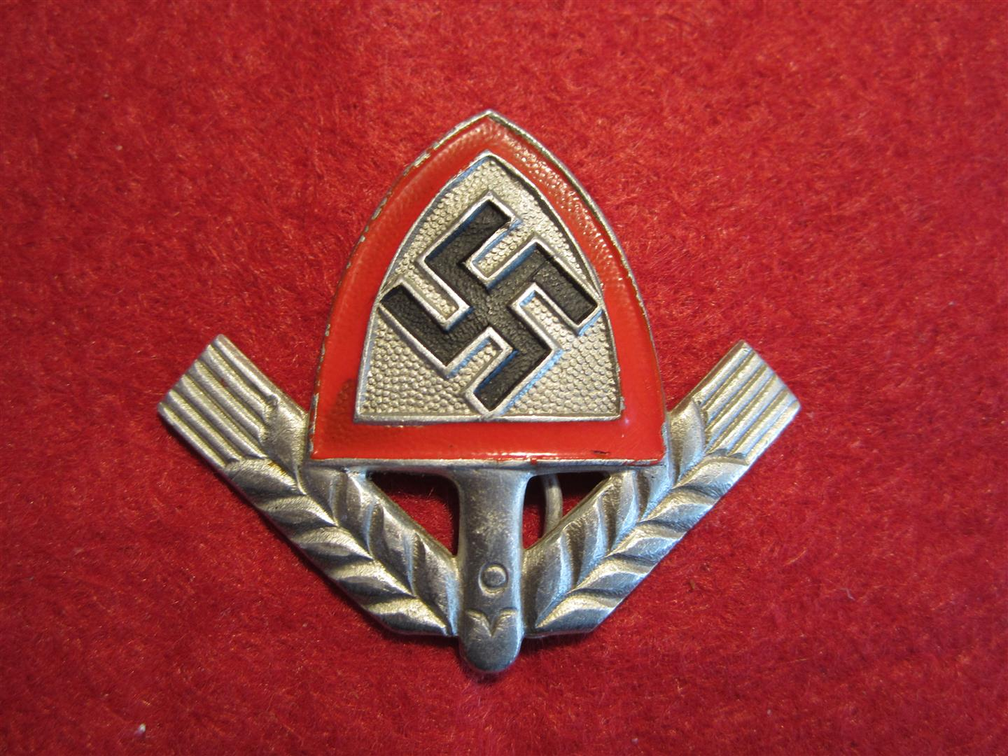 WW2 German RAD Cap Badge