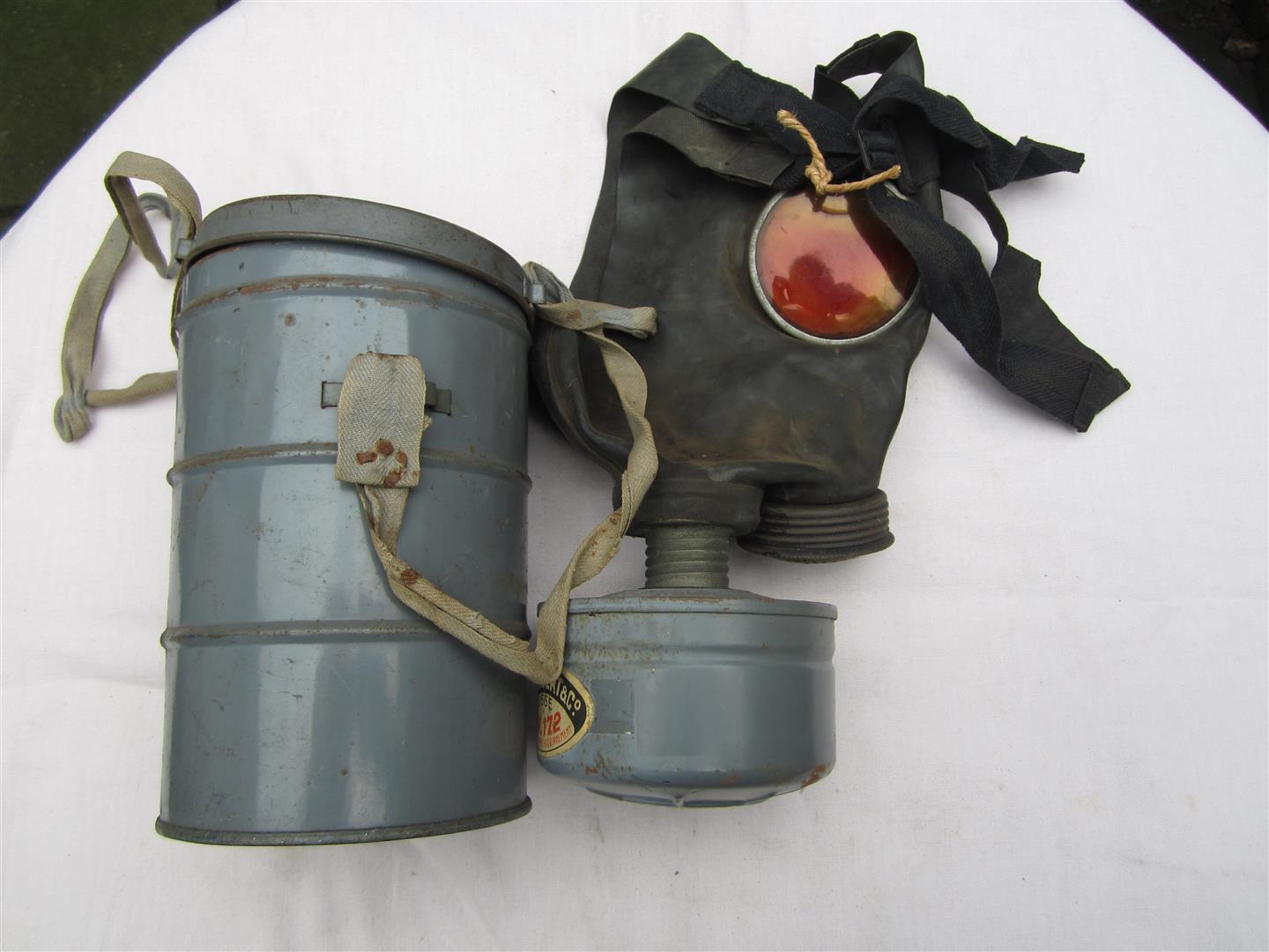 WW2 Belgium Children's Gasmask & Tin