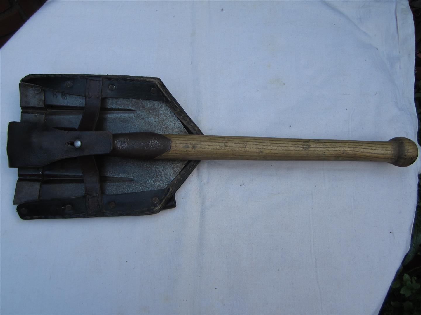 WW2 WH Folding Entrenching Tool & Cover